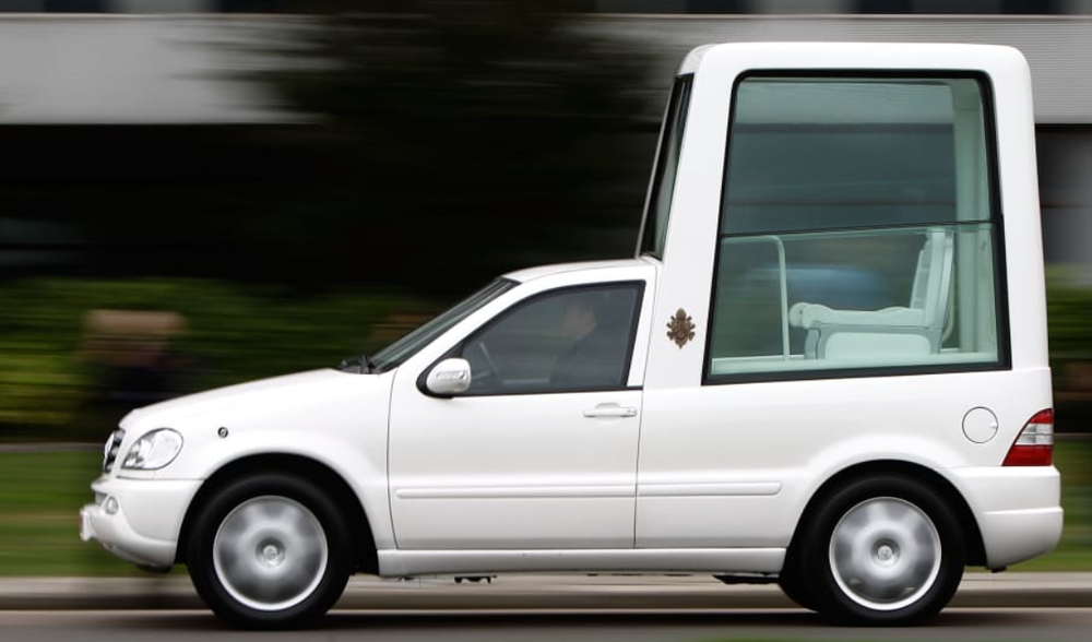 popemobile.thumb.png.a47540ab89378981133eacd5499603c5.png